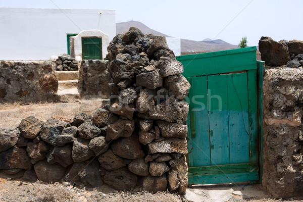 Típico rural casa blanca verde puerta canarias Foto stock © lunamarina