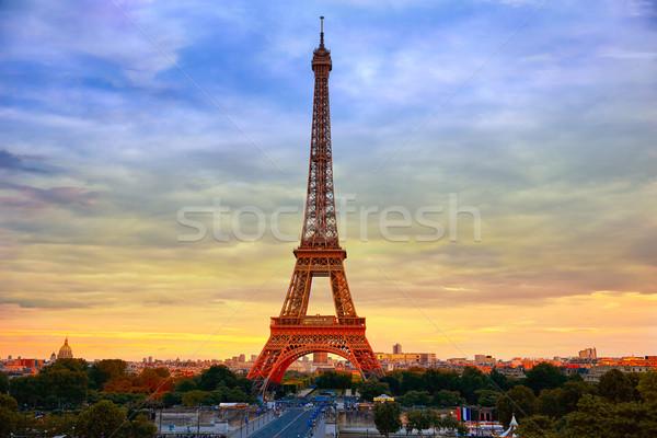 Eyfel Kulesi gün batımı Paris Fransa gökyüzü Bina Stok fotoğraf © lunamarina