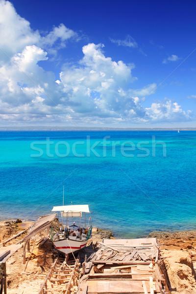 Carnero playa tradicional barco turquesa agua Foto stock © lunamarina