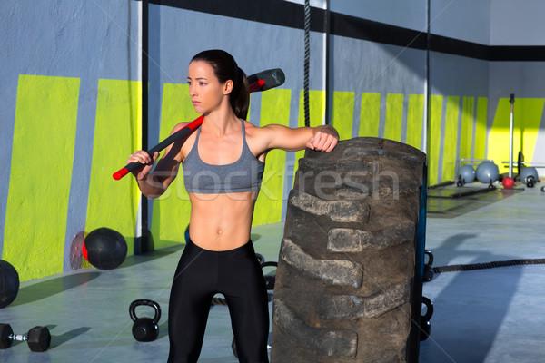 Crossfit slee hamer vrouw gymnasium Stockfoto © lunamarina