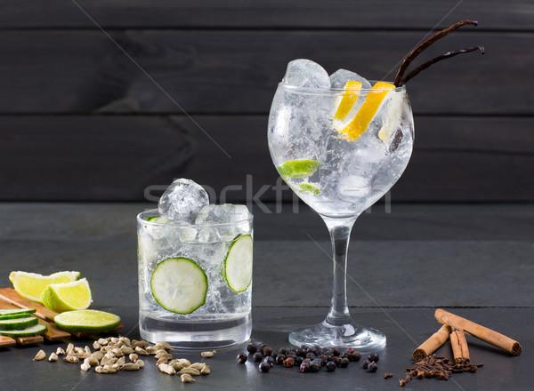 Gin koktél Lima uborka vanília szegfűszeg Stock fotó © lunamarina