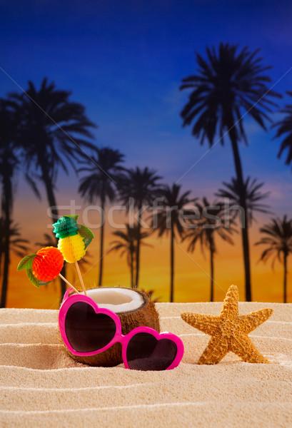 Foto stock: Coco · coquetel · tropical · areia · praia · coração