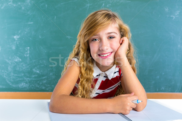 Stockfoto: Gelukkig · student · schoolmeisje · klas · bureau · school