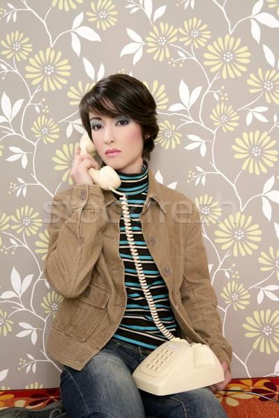Konuşma telefon Retro kadın duvar Stok fotoğraf © lunamarina