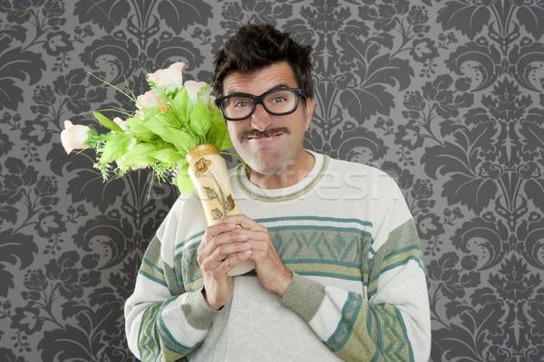 Gniew funny człowiek gwałtowny kwiaty Wazon Zdjęcia stock © lunamarina