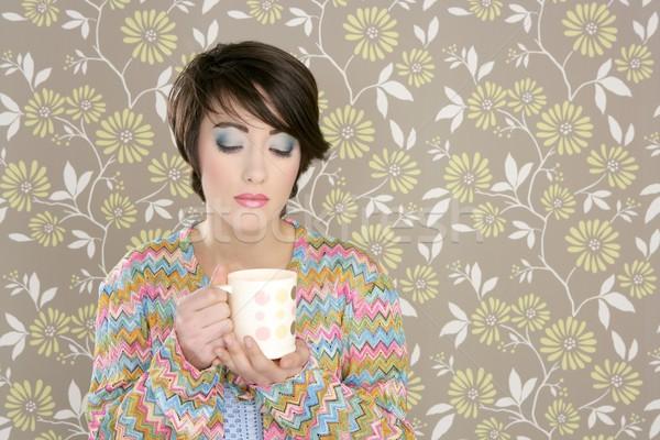 Kahve fincanı içme Retro moda 60s kadın Stok fotoğraf © lunamarina