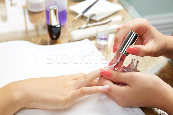 Körmök festmény nő ecset manikűrös kezek Stock fotó © lunamarina
