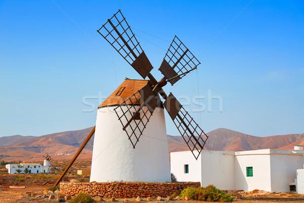 Moinho de vento la canárias Espanha praia céu Foto stock © lunamarina