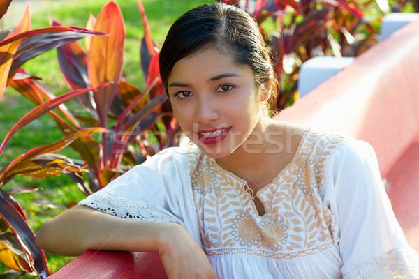 Mexicano mujer étnicas vestido sesión jardín Foto stock © lunamarina