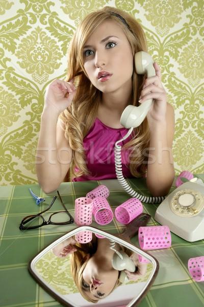 Сток-фото: ретро · домохозяйка · телефон · женщину · Vintage