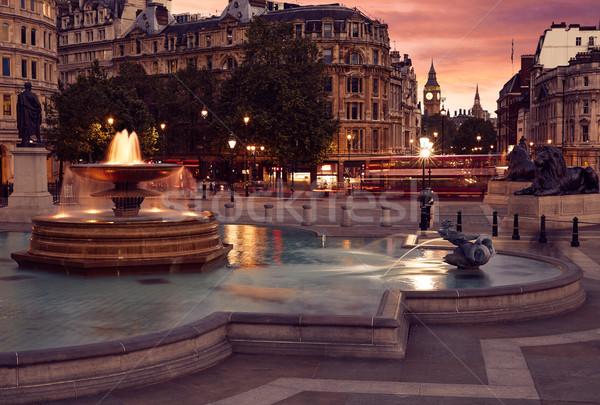 Londra piazza fontana tramonto Inghilterra cielo Foto d'archivio © lunamarina