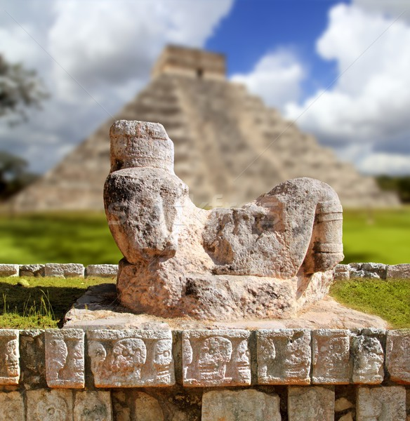 Chac Mool Chichen Itza figure Mexico Yucatan Stock photo © lunamarina