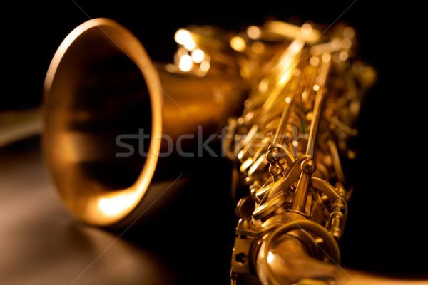 Saxofone dourado saxofone macro foco preto Foto stock © lunamarina