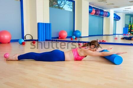 Pilates mujer control equilibrio ejercicio entrenamiento Foto stock © lunamarina