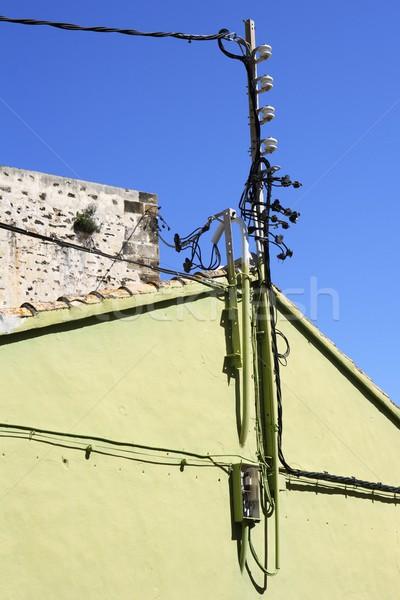 Elektryczne słup drutu kabel szczegół Zdjęcia stock © lunamarina