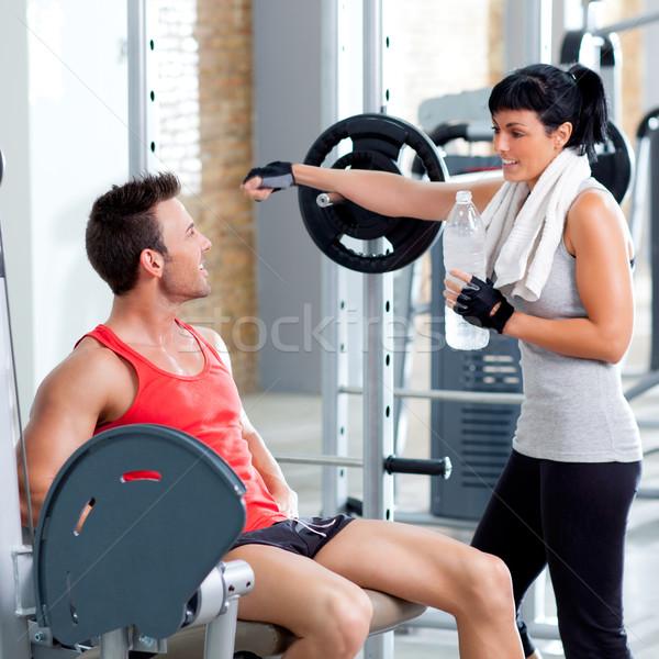 Mann Frau Freunde Sport Fitnessstudio entspannt Stock foto © lunamarina
