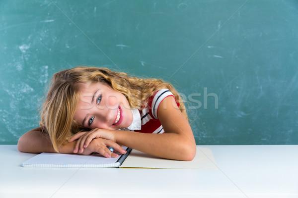 Felice studente studentessa classe desk scuola Foto d'archivio © lunamarina