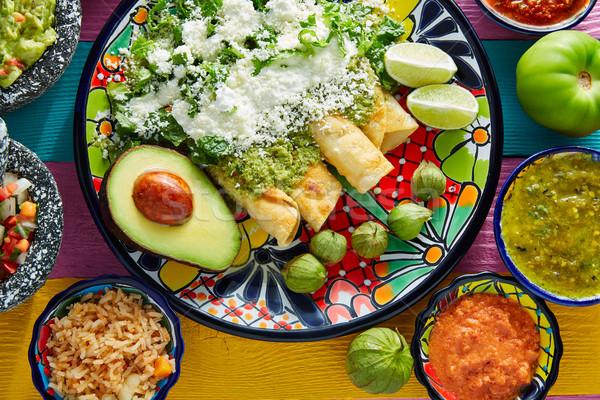Zöld mexikói étel színes asztal étterem tányér Stock fotó © lunamarina