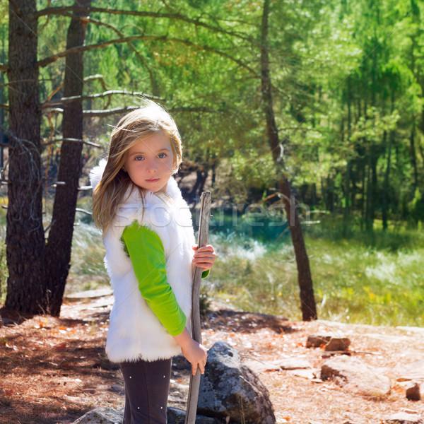 Explorador loiro criança menina vara inverno Foto stock © lunamarina
