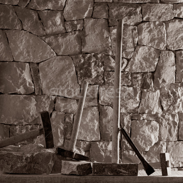 Martelo ferramentas alvenaria trabalhar pedreiro stonewall Foto stock © lunamarina