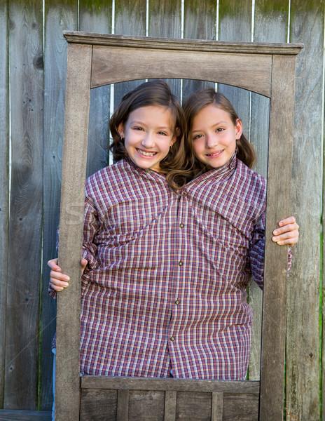близнец девочек вверх кадр папу рубашку Сток-фото © lunamarina