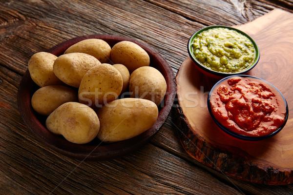 Kanári-szigetek ráncos krumpli zöld piros étel Stock fotó © lunamarina