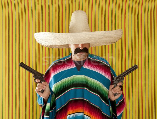 Bandit mexican revolver moustache tireur sombrero Photo stock © lunamarina