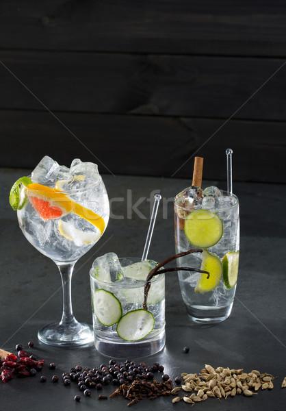 Stockfoto: Gin · cocktails · lima · komkommer · grapefruit · specerijen