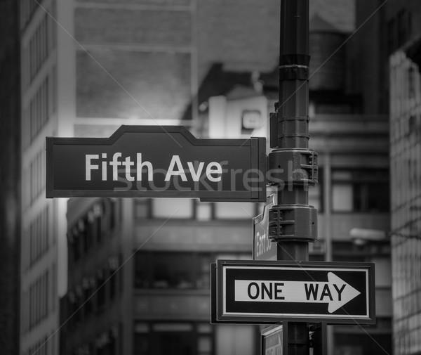 Fift avenue sign 5 th Av New York Mahnattan Stock photo © lunamarina