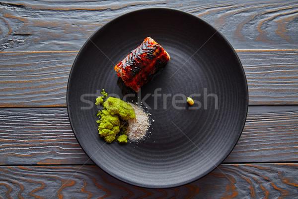 ızgara füme yılanbalığı siyah plaka yeşil Stok fotoğraf © lunamarina
