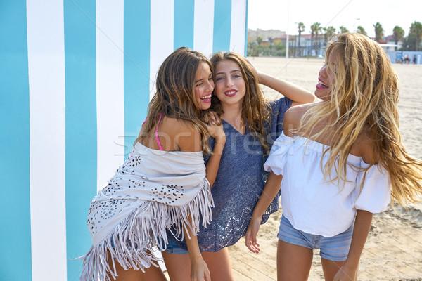 En İyi arkadaşlar genç kızlar grup mutlu yaz Stok fotoğraf © lunamarina