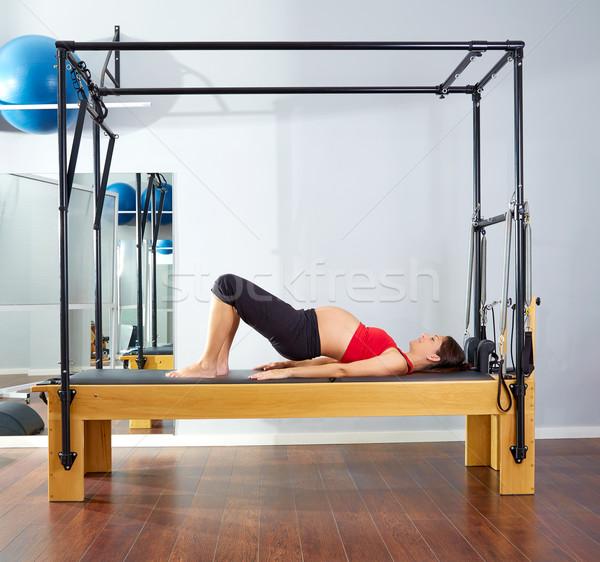 Femme enceinte pilates épaule pont exercice entraînement Photo stock © lunamarina