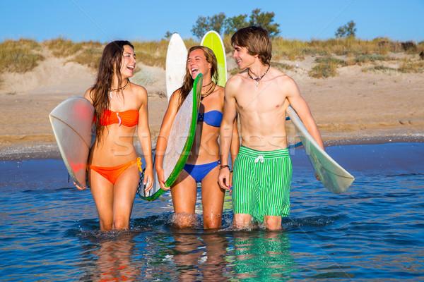 Mutlu genç sörfçü konuşma plaj kıyı Stok fotoğraf © lunamarina