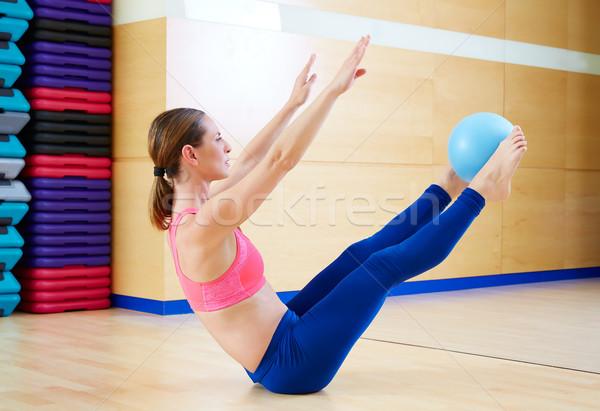Pilates donna stabilità palla esercizio allenamento Foto d'archivio © lunamarina