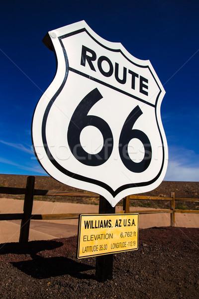 Route 66 placa sinalizadora Arizona EUA estrada azul Foto stock © lunamarina