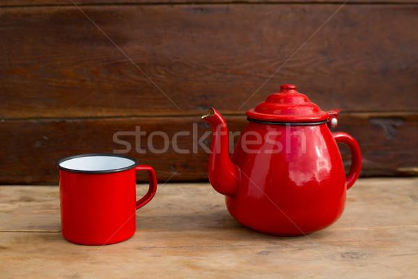 Retro eski bağbozumu demlik kırmızı fincan Stok fotoğraf © lunamarina