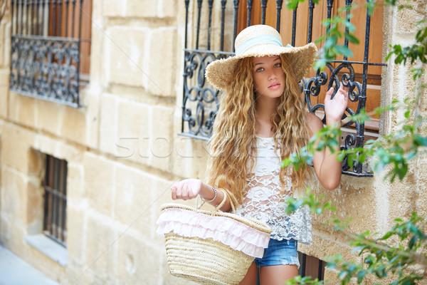Szőke turista lány mediterrán óváros Spanyolország Stock fotó © lunamarina