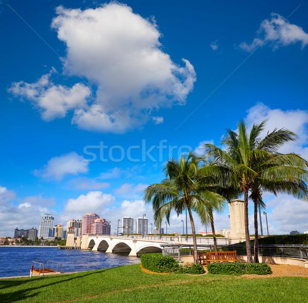 Palmiye plaj ufuk çizgisi kraliyet park köprü Stok fotoğraf © lunamarina