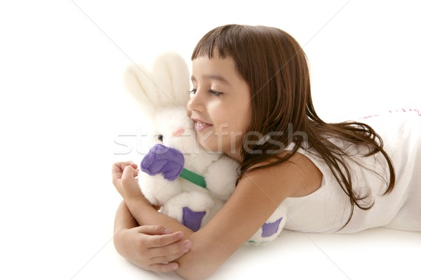 Brünette kleines Mädchen spielen weiß Teddybär Mädchen Stock foto © lunamarina