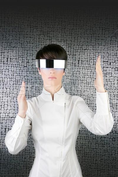 Futurystyczny nowoczesne kobieta interesu stali okulary android Zdjęcia stock © lunamarina