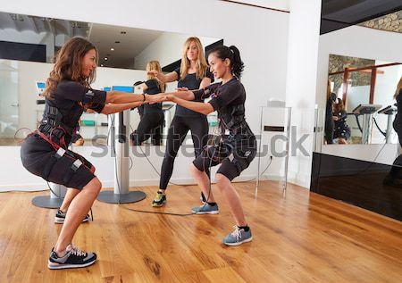Boks kadın grup personal trainer adam uygunluk Stok fotoğraf © lunamarina
