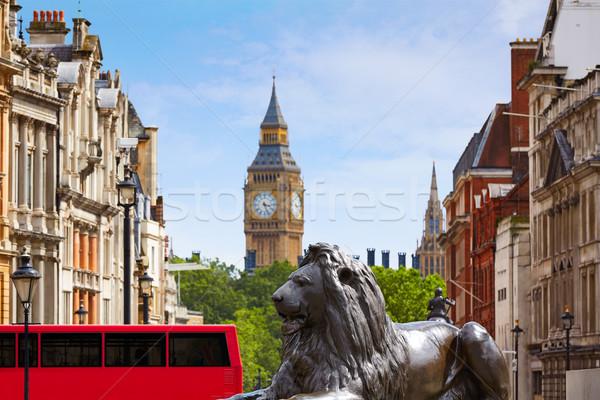 Londres carré horloge urbaine bus rétro Photo stock © lunamarina