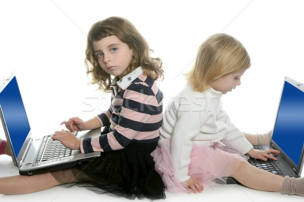 Zdjęcia stock: Dwa · siostra · komputera · laptopy · studia