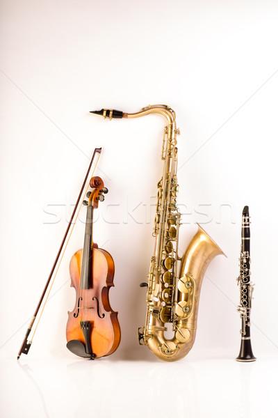 Szaxofon szaxofon hegedű fehér zene fa Stock fotó © lunamarina