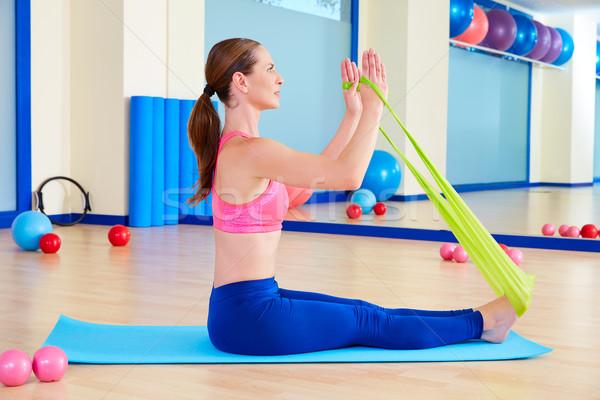 Foto stock: Pilates · mulher · remo · elástico · exercer · exercício