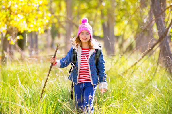 Turystyka dziecko dziewczyna plecak topola lasu Zdjęcia stock © lunamarina