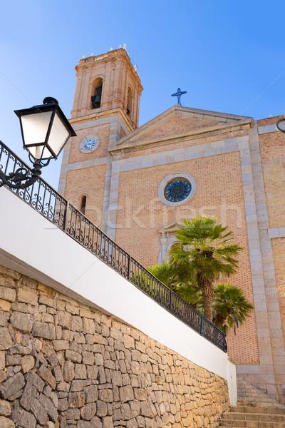 Vechi sat biserică tipic marea mediterana primăvară Imagine de stoc © lunamarina