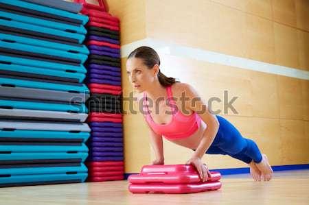 пилатес женщину стабильность мяча осуществлять спортзал Сток-фото © lunamarina