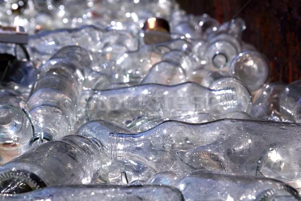 Ecologico riciclaggio vetro bottiglie contenitore disordinato Foto d'archivio © lunamarina