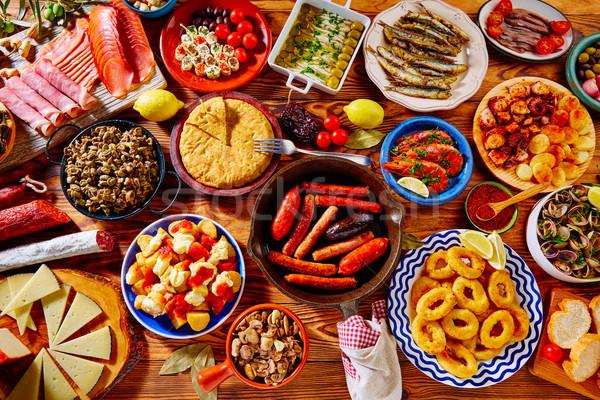 Tapas Spanyolország keverék népszerű mediterrán konyha sajt Stock fotó © lunamarina